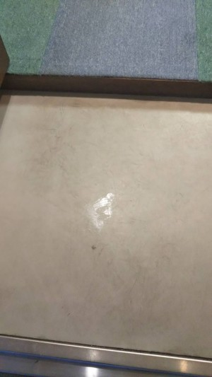 床の黒ズミ
