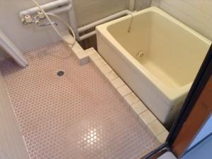お風呂のタイルに固着した水アカ汚れ落とし@小諸市
