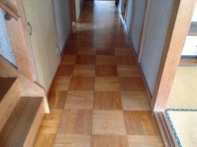 古い床のクリーニング