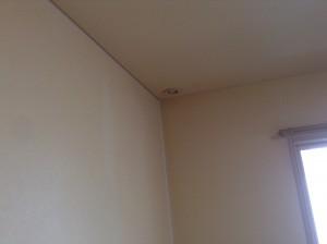 クロス天井・壁面のヤニ落とし