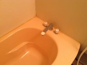 お風呂の水アカ落とし
