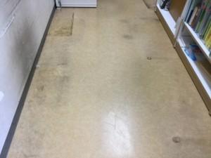 店舗の床の汚れ落とし