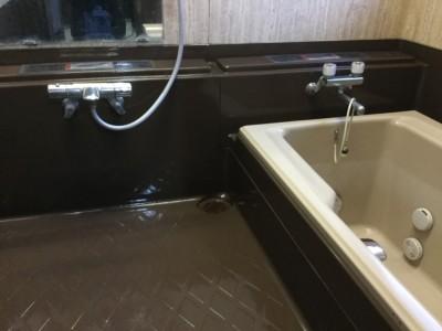 お風呂の茶色い床水あか落とし