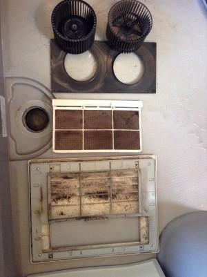 浴室暖房乾燥機の分解洗浄 佐久
