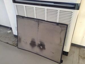 三菱の床置きエアコンクリーニング