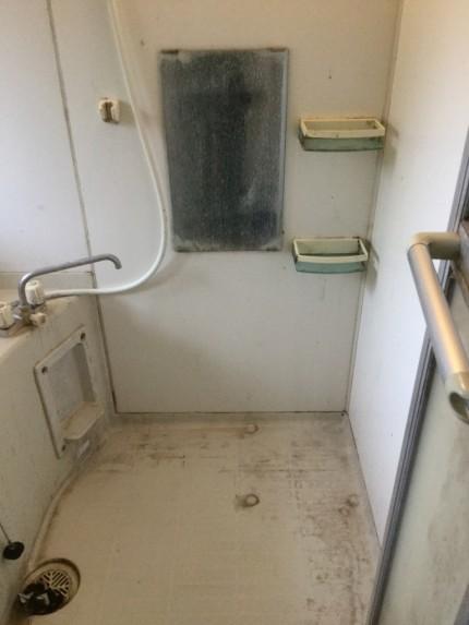 お風呂の折戸のカビ除去