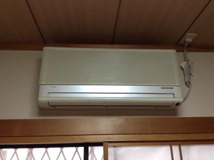 旧式エアコンの分解洗浄