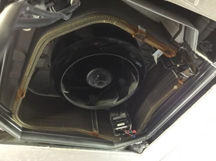 天埋4方向業務用エアコンの分解洗浄