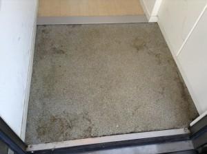 玄関 土砂 クリーニング