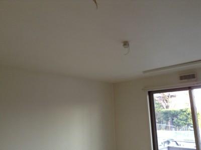 天井 壁紙 ヤニ汚れ 除去