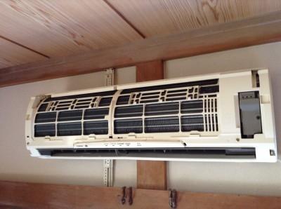 東芝灯油式エアコン分解洗浄