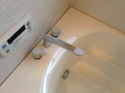 浴室の頑固な水アカ、石鹸カスはここまでキレイに落とします!