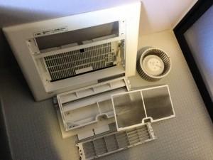 浴室暖房乾燥機の分解洗浄にて浴室環境内のカビ繁殖の進行をブロック!