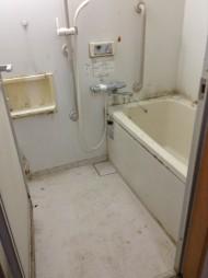 小諸市営住宅の浴室クリーニング