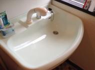 洗面台の磨き上げ