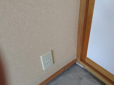 壁紙剥がれ補修