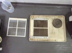 梅雨カビ浴室クリーニング