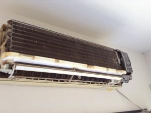 三菱古いエアコンのクリーニング