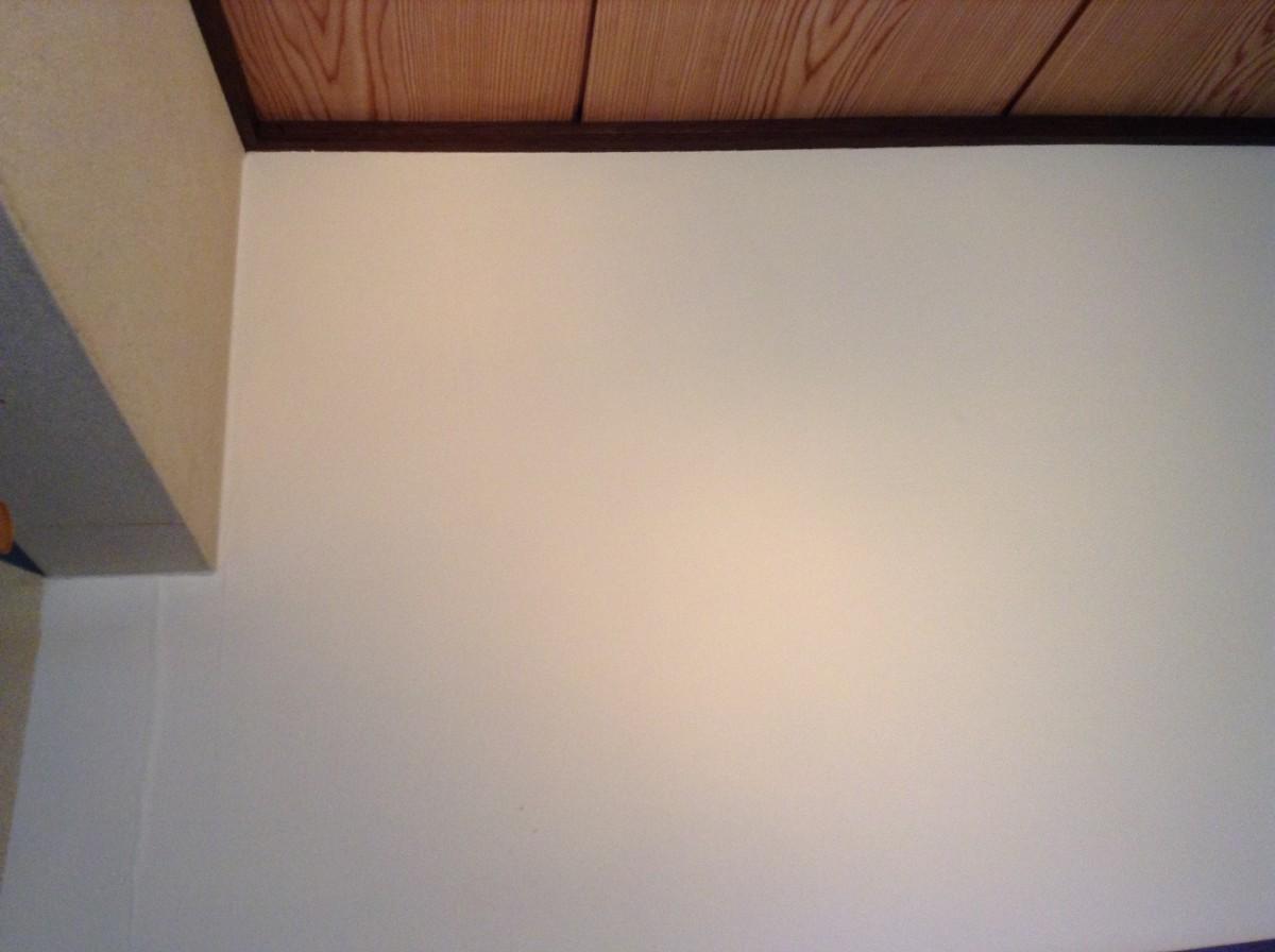 壁紙の経年劣化変色ヤニ汚れは染色で生まれ変わります 佐久市のハウスクリーニングならおそうじ本舗佐久中込店