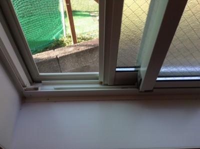 窓周りの汚れ落とし