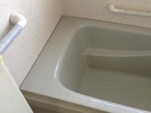 バスタブの水アカ除去