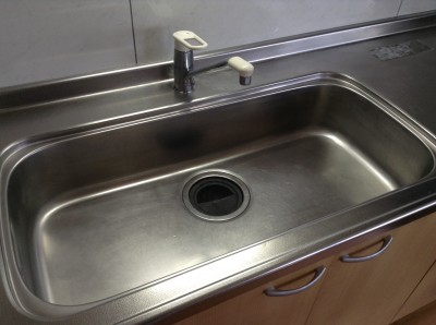 キッチン シンク磨き