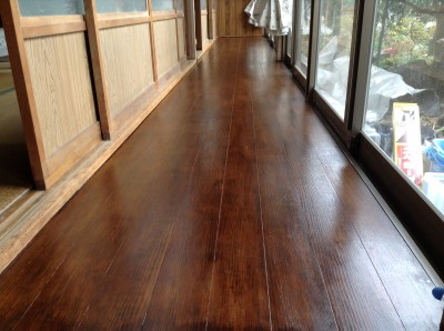 板張り床の塗替え