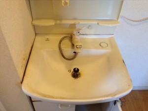 洗面台の水アカ落とし
