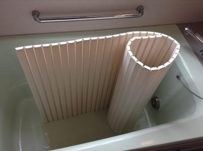 浴室クリーニング 鏡 棚 水アカ取り