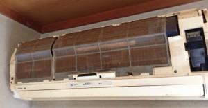 東芝エアコン 分解洗浄 ヤニやホコリのクリーニング