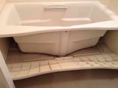 浴室 バスタブエプロン内部洗浄