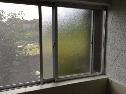 浴室窓クリーニング