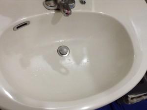 洗面台とトイレのクリーニング