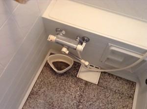 お風呂のドアのカビ汚れ落とし