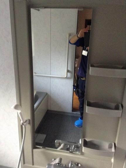 浴室クリーニング カビ・水アカ・カルキ落とし 鏡ウロコ落とし