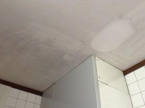 キッチン天井の黒ずみ落とし
