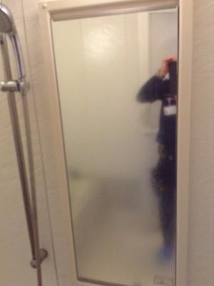 浴室の鏡のウロコ落とし