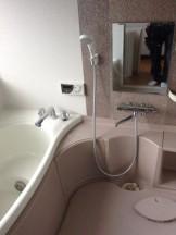 浴室鏡ウロコ取り
