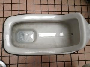 トイレの黒ずみ落とし