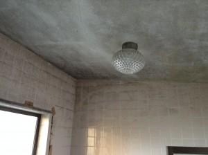 高天井タイル張りの浴室洗浄
