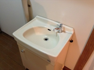 洗面台の黒ずみ落とし