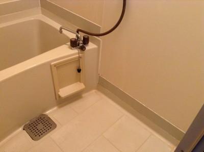お風呂の黒カビ対策