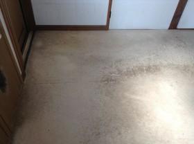 キッチン床の汚れ除去