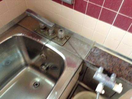 ステンレス浴槽の水アカ落とし