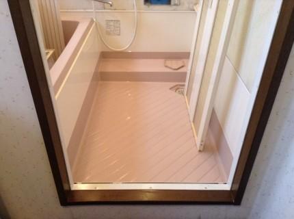 お風呂の折れ戸の洗浄