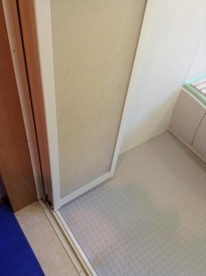 お風呂のドアの汚れ除去