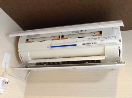 シャープ おそうじ機能付きエアコン分解洗浄(AY-A22SX-W)2011年製