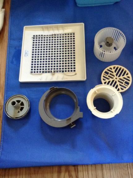 換気扇と排水溝