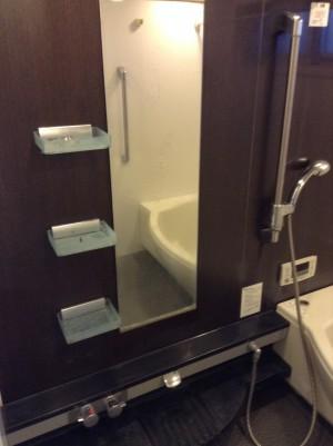 浴室の化粧棚の白い汚れ落とし