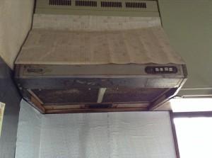 30年油汚れの換気扇クリーニング